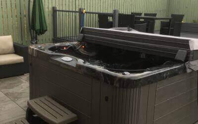 Cabo I Hot Tub
